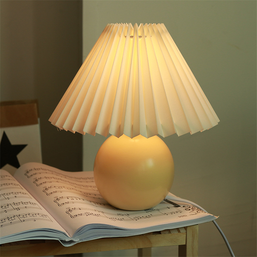 Vintage Nordic Table Lamp Cream Color Pleated Fold Desk Lamp Multicolor Bedside Desk Vestibule Lamp Lampada Nightstand Lighting