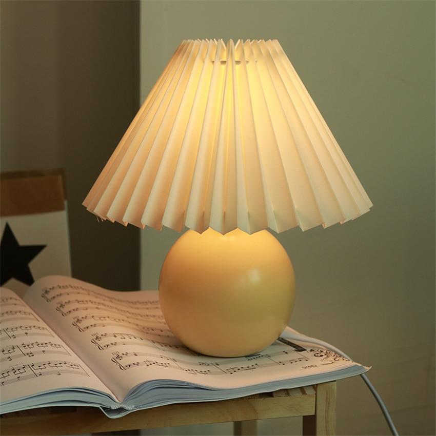Vintage Nordic Table Lamp Cream Color Pleated Fold Desk Lamp Multicolor Bedside Desk Vestibule Lamp Lampada Nightstand Lighting
