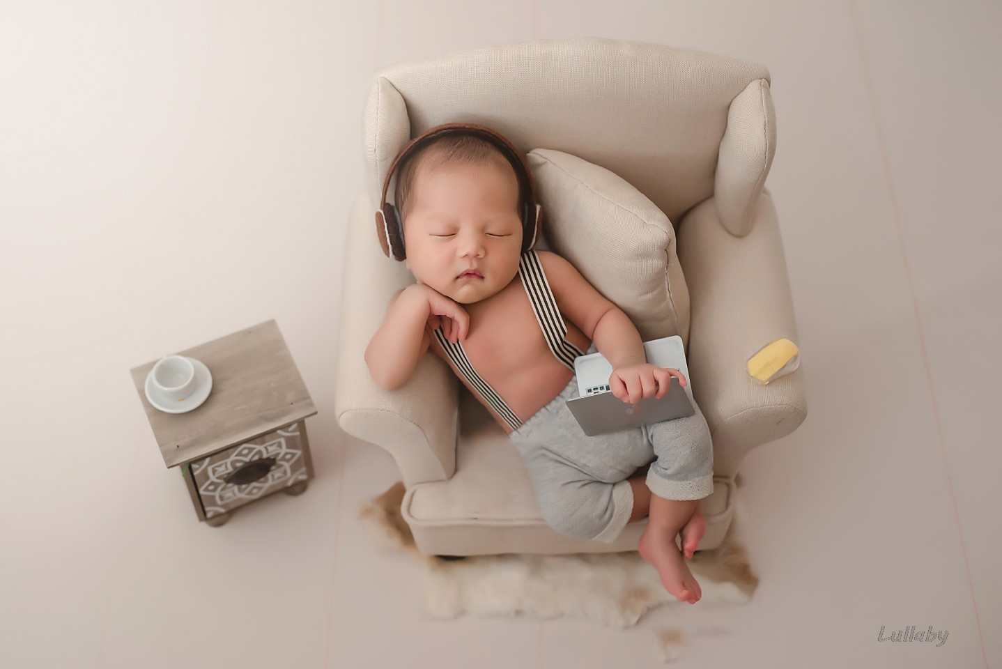 Aby Photography Props Mini Laptop Infant Shoot Accessories Creative Props Baby Photo Shoot Small Props Studio Novel Decorations