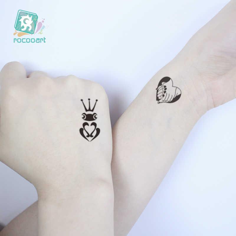 Tatuaje falso Rocooart para amantes, tatuaje temporal romántico para San Valentín, tatuaje temporal de trébol, tatuaje de símbolo, tatuaje adhesivo pequeño negro impermeable