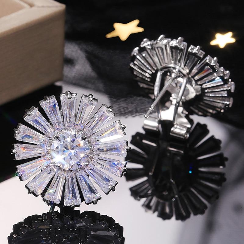 Huitan Romantic Top Quality Shine Cubic Zirconia Big Flower Women Stud Earring Delicate Business Occasion Women Earring Hot Sale