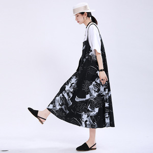 [EAM] Women Black Pattern Printed Big Pocket Strapless Dress New Sleeveless Loose Fit Fashion Tide Spring Summer 2020 1U170