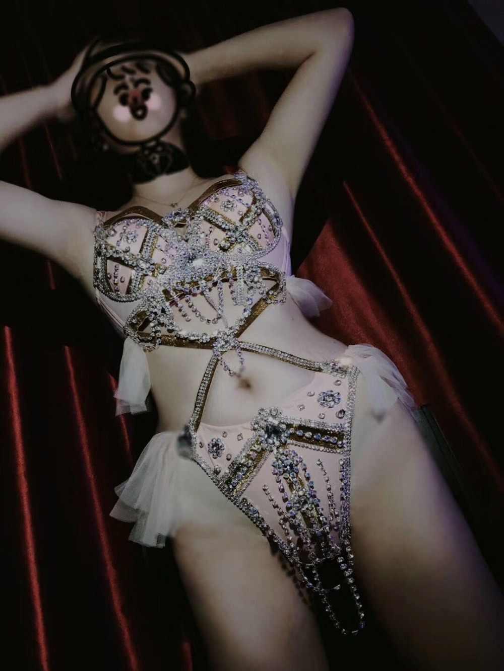 2019 新点滅ピンクブラジャーショート衣装バー女性歌手ショーセクシーなビキニ服イブニングダンス誕生日の衣装セット