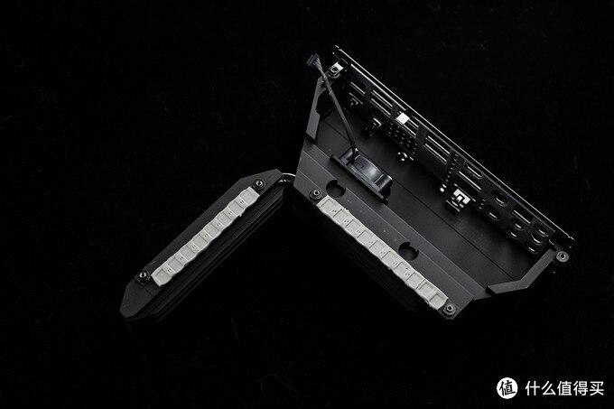 暗黑风顶级Z490主板?微星Z490 UNIFY评测