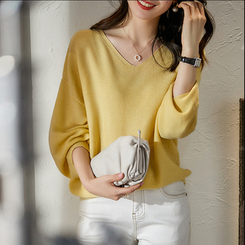 Women Sweater 2020 New Autumn Loose Pullover Korean Lantern Sleeve V Neck Solid Knitted Ladies Sweaters Sweterek Jumper Mujer korean fashion ladies full sleeve women knitting sweater solid o neck pullover and jumper loose sweater hot sale s80209q