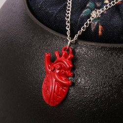 The Human Heart Alive Red Blood Dripping Wet Pendant Necklace For Doctors and Nurses Statement Collar Necklace Medical Jewelry