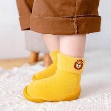2020 inverno novos produtos das crianças meias sapatos, lã de cordeiro neve meias sapatos bebê bordado meias da criança primeiros caminhantes