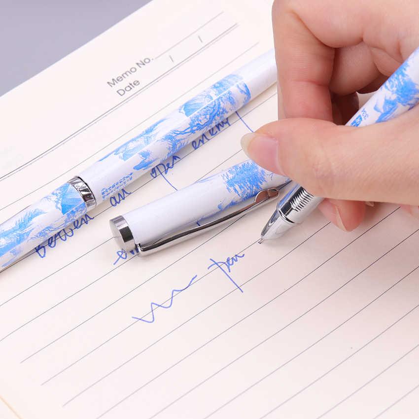 Blu e Bianco Stile Cinese Penna Stilografica 0.5 millimetri Pennino Ufficio Scuola Penne A Inchiostro Regalo Forniture di Cancelleria 1PC