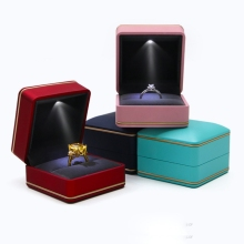 New Style Fashion Luxury Jewelry Box Custom Logo Engagement Wedding Rings Pendants Boxes Jewellery Gift Case With Led Light