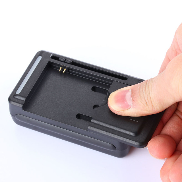 عالمي بطارية المحمول الولايات المتحدة/الاتحاد الأوروبي التوصيل مهايئ شاحن مع شاشة مؤشر LCD لهاتف هواتف محمولة منفذ USB دائم ومقاومة للحريق