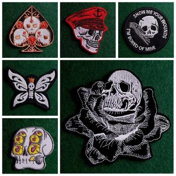 Łata z czaszką żelazko na plastry na odzież DIY Punk haftowane naszywki na ubrania paski odznaki na plecaku aplikacja akcesoria tanie i dobre opinie CN (pochodzenie) As Picture HANDMADE Przyjazne dla środowiska PRINTED Do przyprasowania parches ropa Patches For Clothing