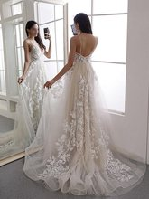2019 Graceful Lace Appliques Tulle Wedding Dress Backless Spaghetti Strap A Line Court Train Long Bridal Gowns Robe De Mariee