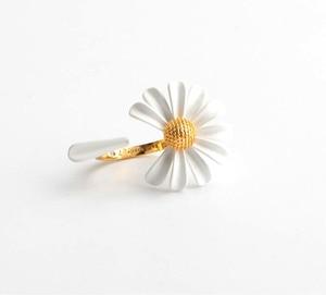 Image 5 - CSxjdใหม่คุณภาพสูงบุคลิกภาพสีขาวDaisy Sunดอกไม้Beeเปิดสร้อยข้อมือ