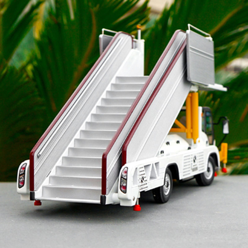 1 24 Diecast Alloy Aircraft Boarding Special Metal Airport Transportation Technology Car Model Toy Vehicle Collection