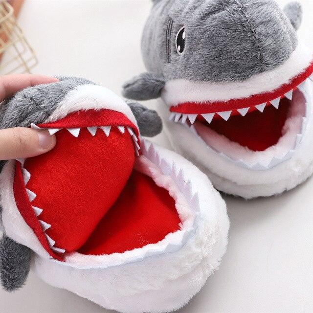 Rysunkowy rekin śmieszne buty dziewczęce piękne kapcie damskie kapcie domowe 2020 modne pluszowe ciepłe kapcie damskie