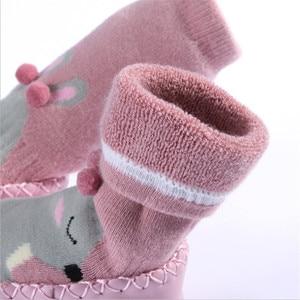 Kleinkind Innen Socke Schuhe Neugeborenen Baby Socken Winter Dicke Terry Baumwolle Baby Mädchen Socke mit Gummi Sohlen Säuglings Tier Lustige socke