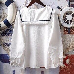 Image 2 - Японские белые рубашки Лолиты, женские винтажные кружевные топы принцессы с рюшами, Подростковая блузка с матросским воротником и пуговицами, милая школьная форма
