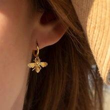 Huitan romantyczny kształt pszczół miodnych kobiety spadek kolczyki urocza dziewczyna prezent stylowe kobiece akcesoria dla Party kolczyk biżuteria