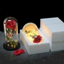 Несколько цветов Красота и чудовище красная роза в стеклянном куполе на деревянной основе для подарков Святого Валентина светодиодный лампы с розами Рождество