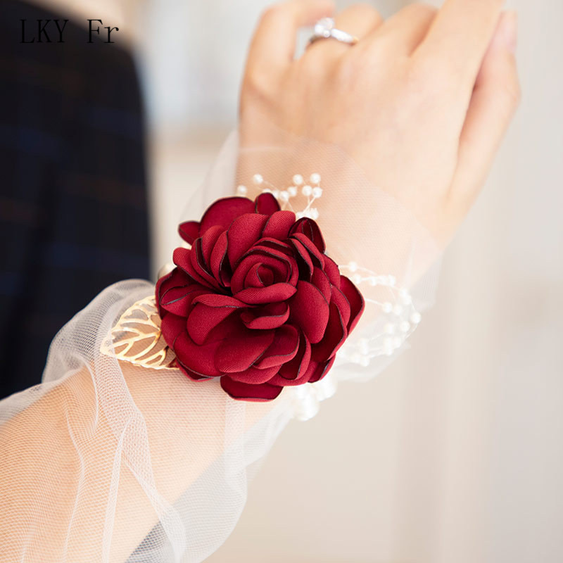 LKY Fr Wrist Corsage Wedding Bracelet For Bridesmaid Wine Red Silk Wrist Corsage Bridesmaid Sisters Hand Flowers Men Boutonniere