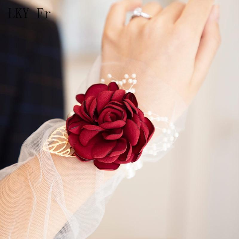 LKY Fr Wrist Corsage Wedding Bracelet For Bridesmaid Wine Red Silk Wrist Corsage Bridesmaid Sisters Hand Flowers Men Boutonniere