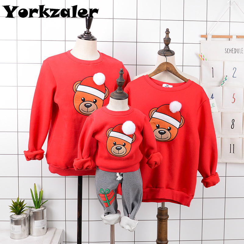Family Look Christmas Clothes Mother Father Kids Matching Tops Long Sleeve Winter Fleece T Shirts With Bear Pullover Sweatshirt