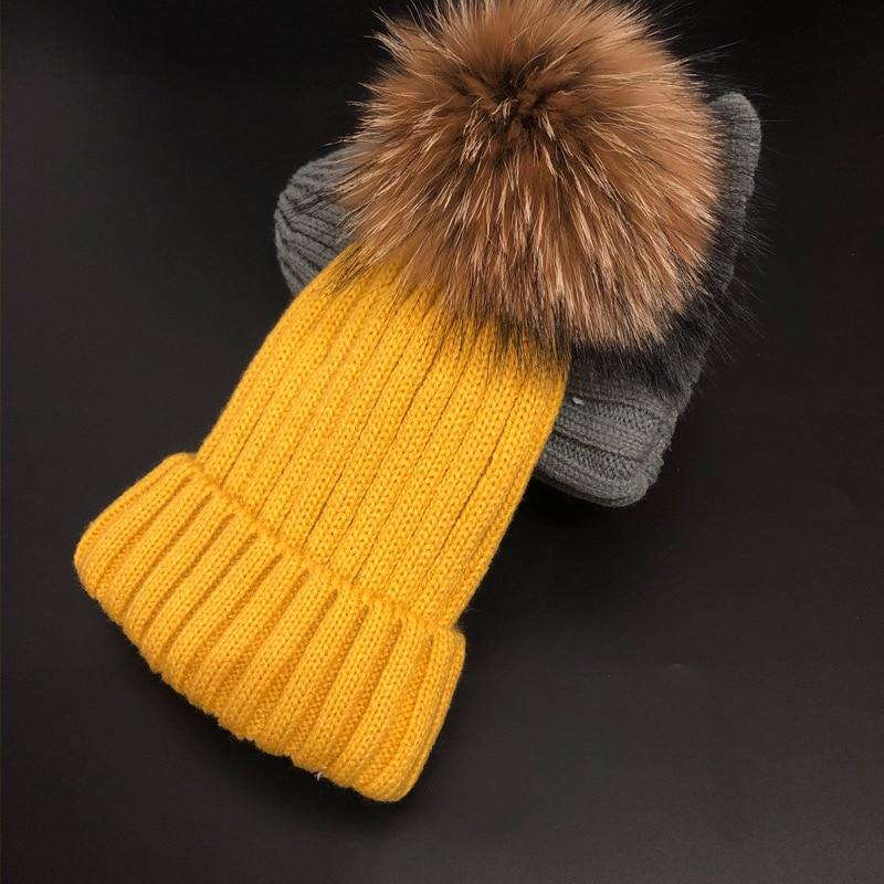 Брендовая зимняя женская шапка высокого качества, шапка бини из натурального меха енота, женские шапки с помпоном, Женская Повседневная шапка для девочек - Цвет: Цвет: желтый