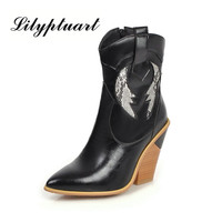 2019 winter fashion pointed high heeled boots European and American style large size foreign trade Martin boots women