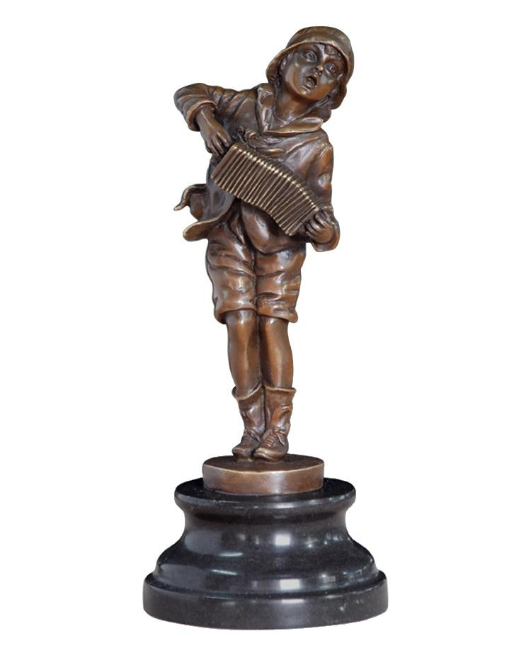 Akkordeonspieler Bronze Statue