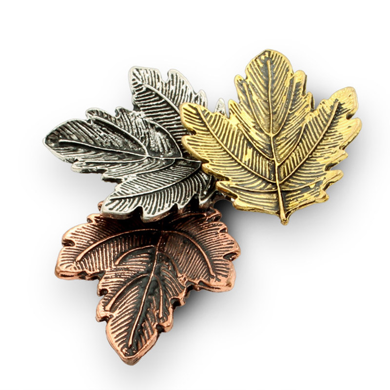 JUJIE Mini Canada Brooch Maple Leaves Brooches For Women 3 Color Metals Brooch Decorative Brooch Travel Souvenir Jewelry Gifts 6