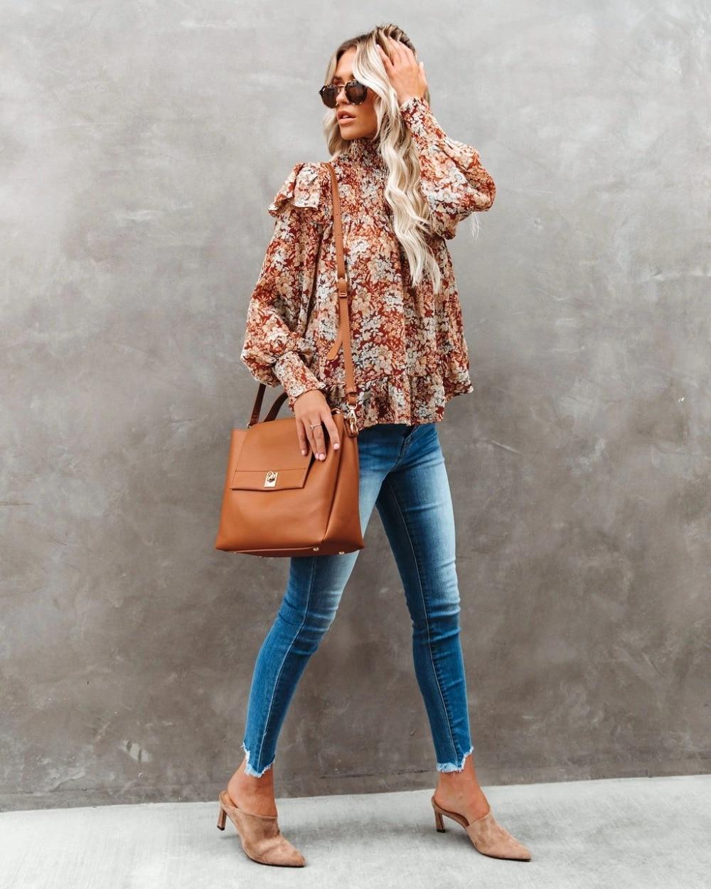Женская блузка с оборками и цветочным принтом водолазка длинным