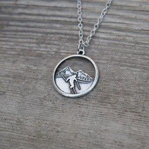 Image 2 - 10 шт горы вызов катание на лыжах ожерелье Зимний спорт Шарм