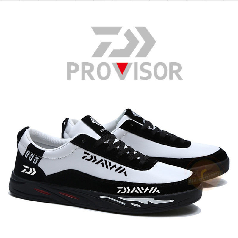 2020 New Men Daiwa Outdoor Hiking Fishing Shoes Men Trekking Shoes Waterproof Sports Fishing Shoes Travel Walking Sneaker Boots