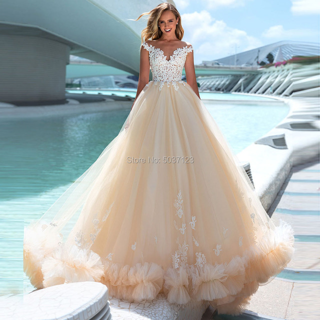 Luxury Tulle Wedding Dresses Court Train A Line Wedding Gown 2020 Robe De Mariee Sweetheart Sleeveless Appliques Bridal Gowns