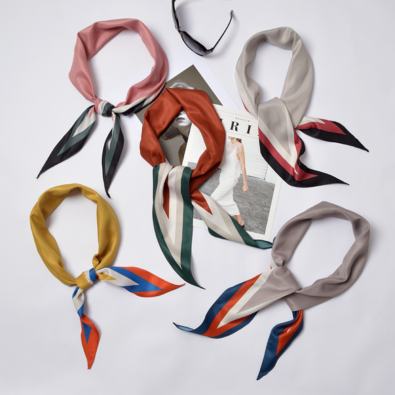 2020 New Color Matching 32 * 115cm Female Scarves Classic Hundred Tower Simulation Silk Narrow Decorative Scarf