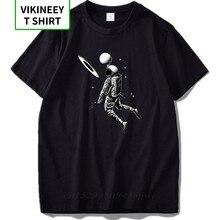Ue rozmiar mężczyźni T shirty 100% bawełna zabawny projekt astronauta grać księżyc w koszyku prezent wysokiej jakości miękkie Tshirt Slim w stylu Fit Streetwear