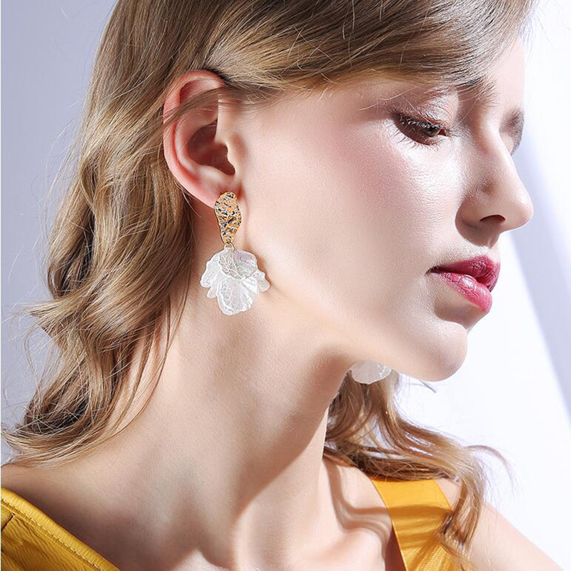 jiofree-coreen-blanc-coquille-fissure-fleur-petale-clip-boucles-d'oreilles-pour-les-femmes-2020-nouveau-mignon-doux-irregulier-boucles-d'oreilles-a-la-mode-bijoux-cadeau