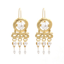 New Luxury Metal Inlaid Pearl Earrings  Style Pearl Long Ear Ring Exaggerated  Ear Stud