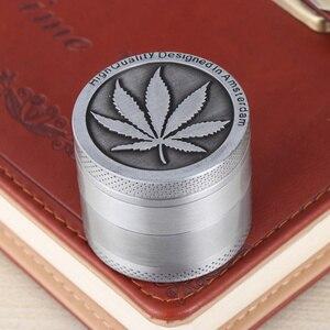 Metal Tobacco Grinder Spice Herb Grinder Manual Smoke Breaker Maple Leaf Pattern for Friends 40mm 30mm 3 Layers Light Grey Gold