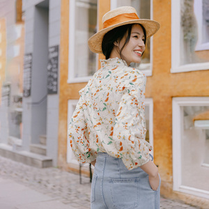 Image 2 - INMAN 2020 Autumn New Arrival Literary Stringy Selvage Stand Collar Retro Floral Falbala Three Quarter Sleeve Blouse