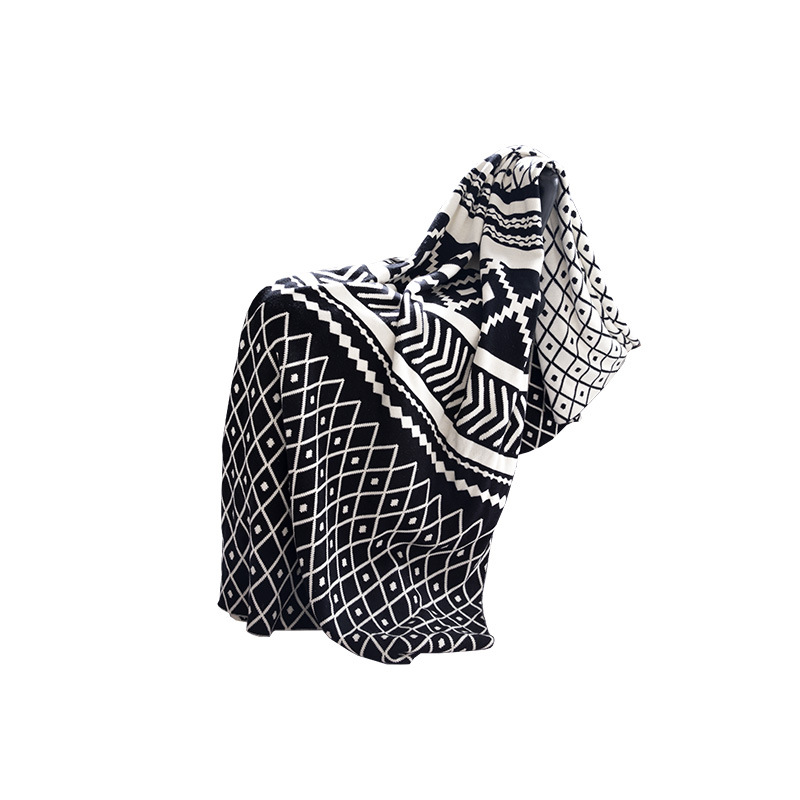 New Nordic Black and White Jacquard Style Soft Knitted Cotton Blanket Home Decoration Geometric Blanket