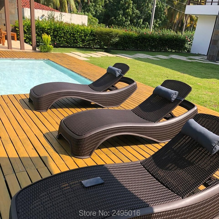 Patio Lounger A Weather-resistant Plastic Resin Rattan-looking Lightweight Easy To Move ,comfortable For Any Outdoor Space