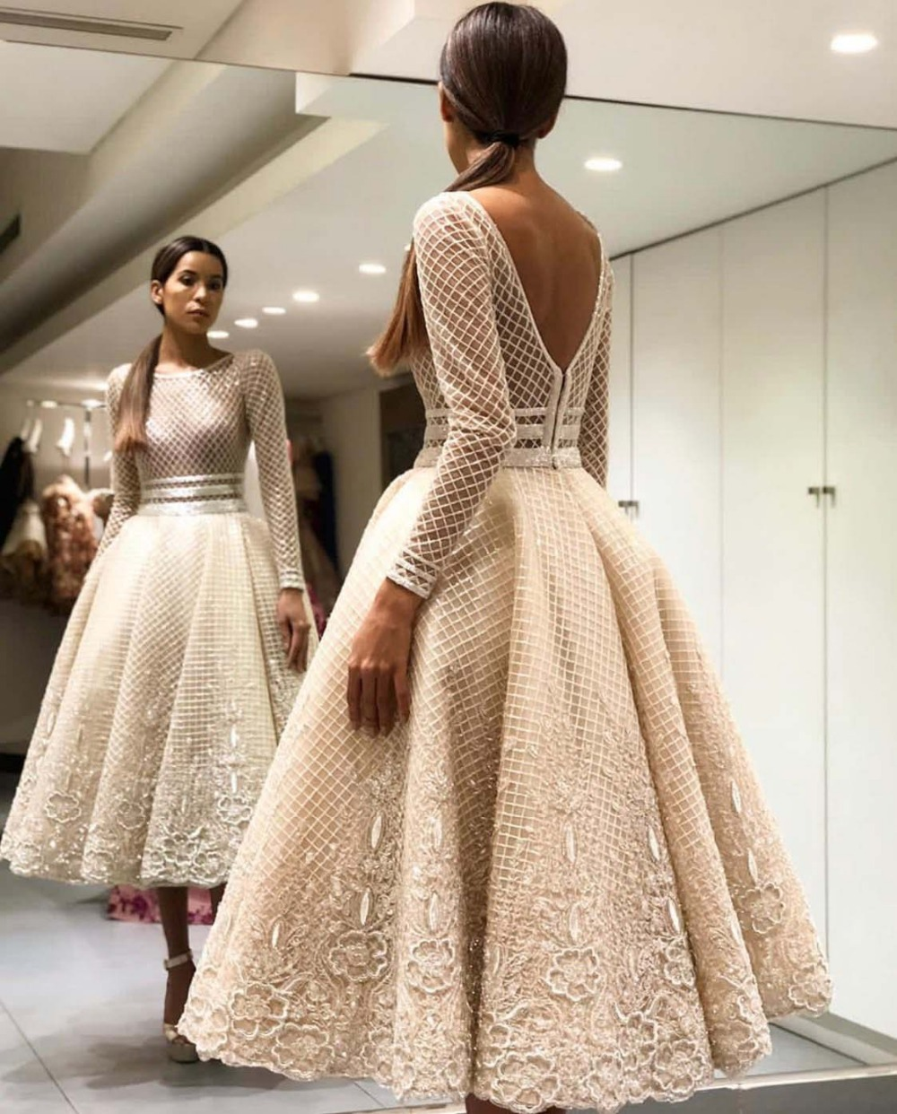 Elegant Bige Color Unique Lace Cocktail Dresses Full Sleeves V-Back Ankle Length Prom Gowns 2019 Robe De Soiree Party Dresses
