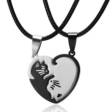 Animal Pingente de Colar Do Gato Preto e Branco Costura Simples Amizade Presente da Forma Do Coração de Ouro Branco Gato Bonito Casal Colar de Jóias