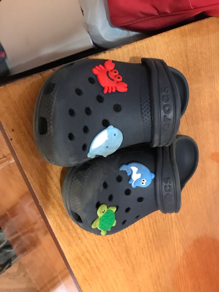 Image 4 - 100pcs/lot Cute Animals PVC Shoe Charms Panda Fishes Shoe Accessories Buckles Croc Decoration Jibz for Boys Girls Kids GiftShoe Decorations   -