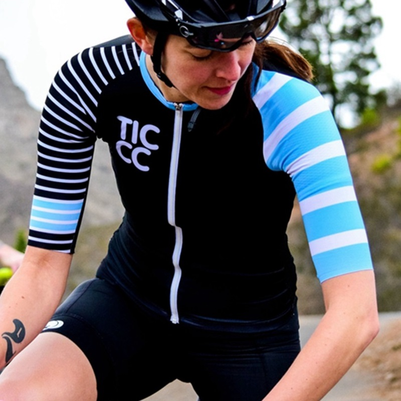 tic_abloc_cycling_jersey_black_blue_07-2000x1333