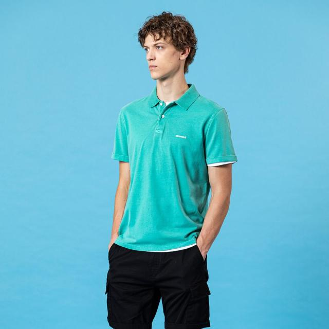 Dyed plain polo shirts in solid colors