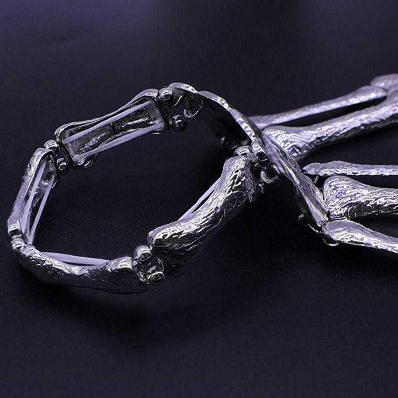 2019Halloween Funny Hand Bone Palm Skeleton Ghost Paw Bracelet With Fingers Bangle Accessories in Party DIY Decorations from Home Garden