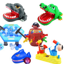 Crianças brinquedos adultos mordendo dedo crocodilo pai-criança brinquedos interativos família piada desktop festa jogos para crianças presente