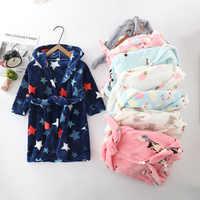 Bata de baño con capucha de dibujos animados para bebé y niña, ropa de Franela suave cálida para niño, Otoño e Invierno